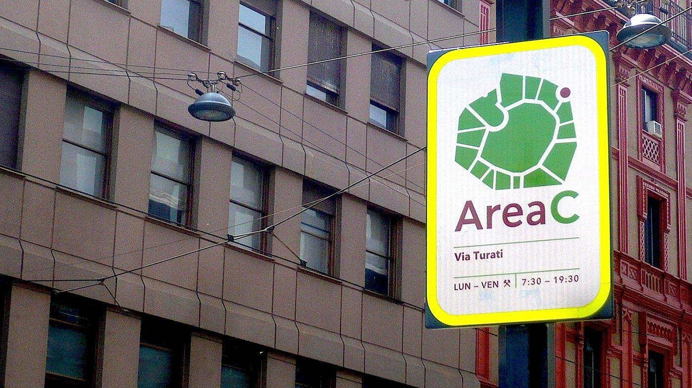 Cartello di ingresso in Area C da Via Turati, Milano