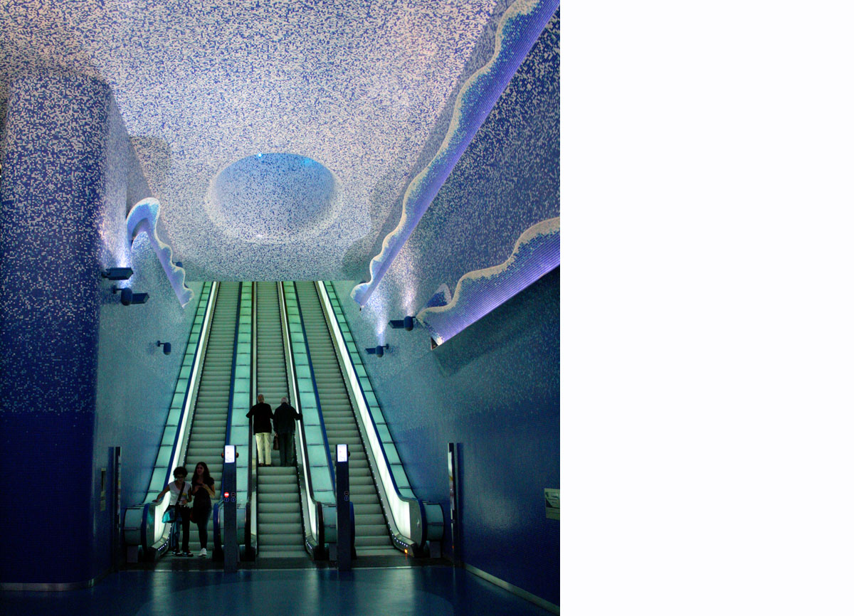 Naples Underground, Toledo station, Oscar Tusquets Blanca, Crater de luz, 2012, mosaic on sheet metal support